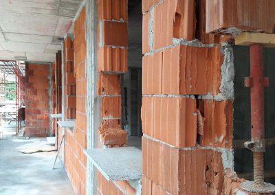 L'entreprise intervient pour la reprise en sous oeuvre de tous types de bâtiments menaçant de s'effondrer.